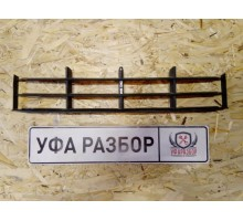 Решетка в бампер центральная  Skoda Fabia 2007-2015