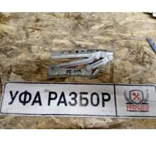 Петля капота правая Skoda Fabia 2007-2015/Octavia