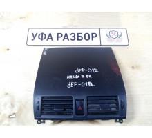 Дефлектор центральный с кнопкой авар сигн Mazda 3 (BK) 2002-2009